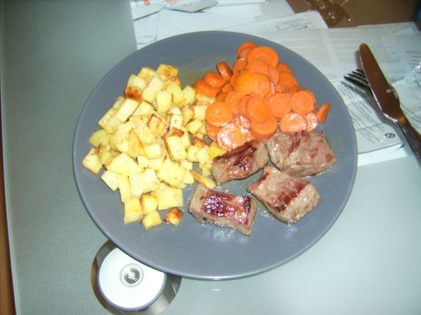 ostrich-rosemarypotatoes-carrots